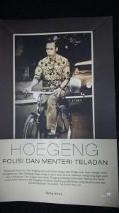 Buku Hoegeng, Polisi dan Menteri Teladan