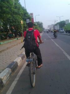 Bersepeda di Bekasi